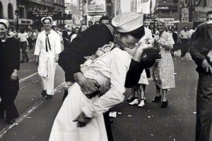 a foto do beijo do marinheiro the kissing sailor 3